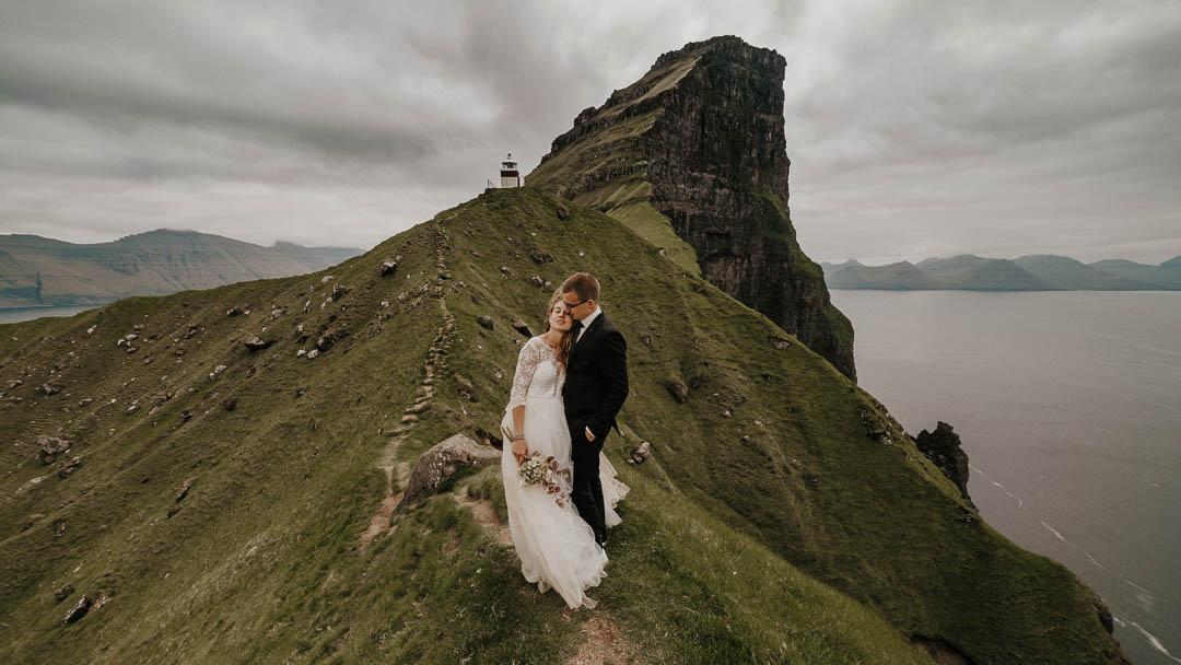 Faroe Islands adventurous wedding | Oleg Tru